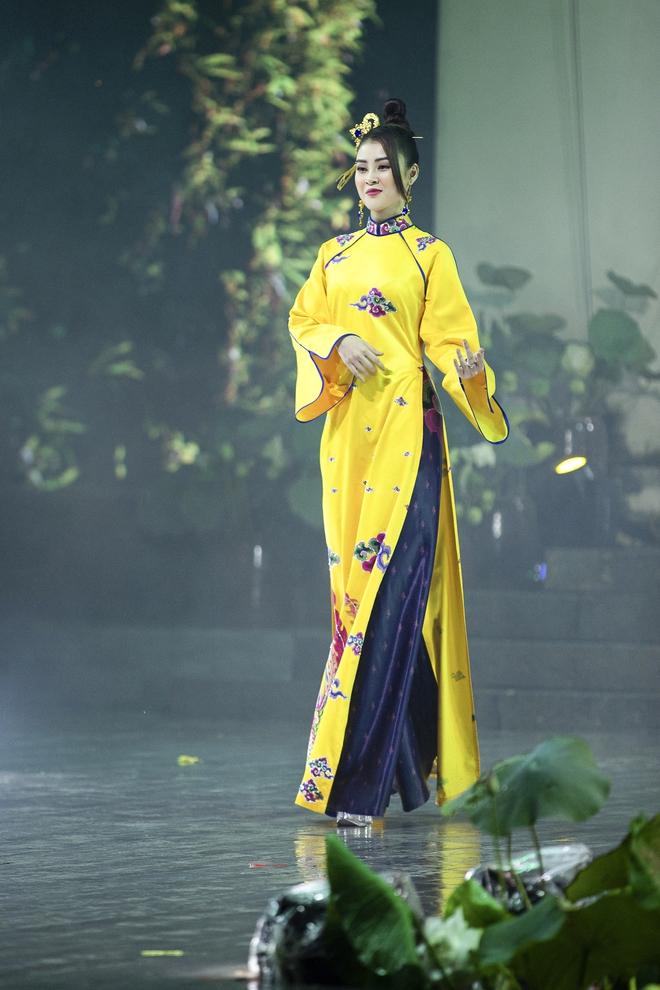 Á hậu Lý Kim Thảo làm nàng thơ của NTK Nhật Dũng - Ảnh 5.