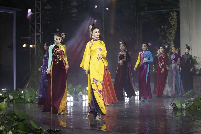 Á hậu Lý Kim Thảo làm nàng thơ của NTK Nhật Dũng - Ảnh 13.