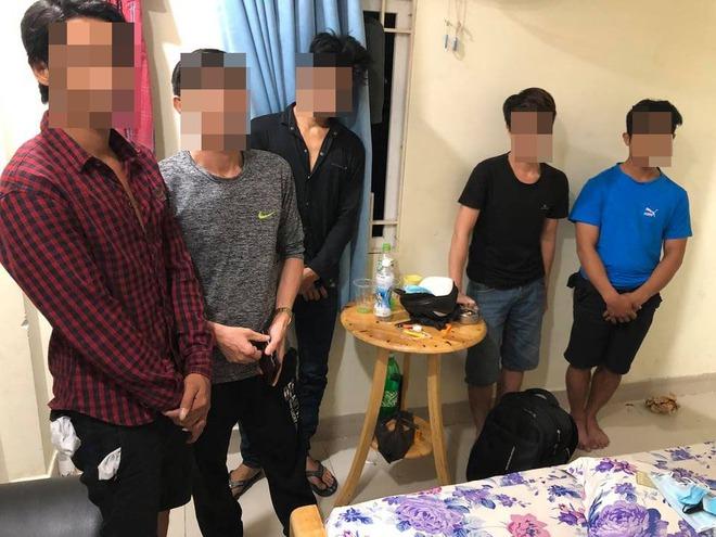 Gần 60 nam nữ dương tính với chất ma túy ở nhiều khách sạn, phòng thu âm ở Sài Gòn - Ảnh 3.