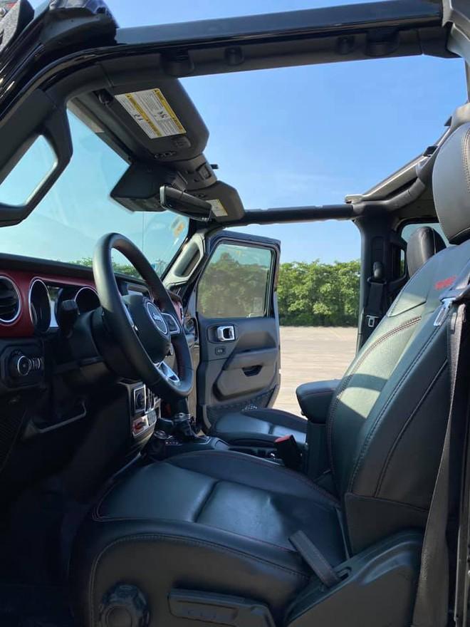 Tậu hàng khủng Jeep Wrangler Rubicon rồi bán sau 1 năm, chủ xe lỗ ngay 1 tỷ đồng dù mới chạy 7.000km - Ảnh 4.