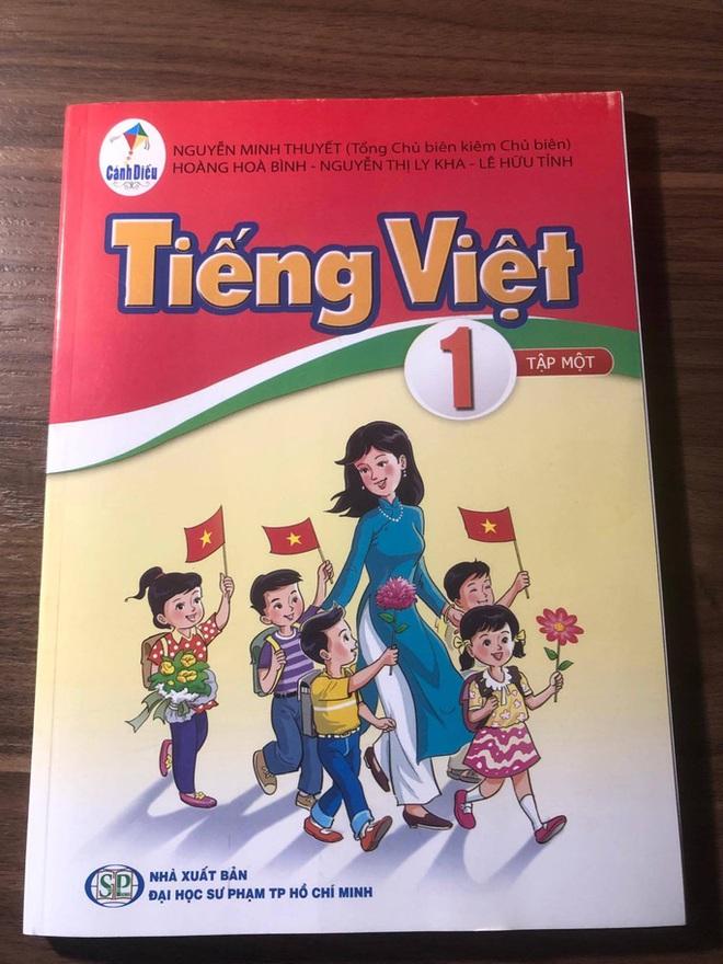 GS Nguyễn Minh Thuyết lý giải vì sao không dùng ca dao tục ngữ Việt Nam trong SGK Tiếng Việt 1 - Ảnh 1.