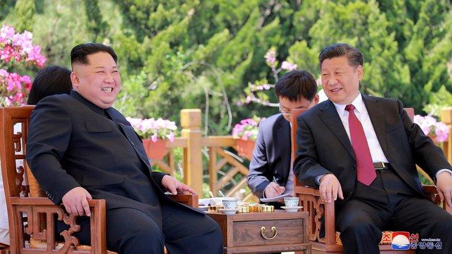 Cựu cố vấn Lầu Năm Góc nói về điều Mỹ đang làm tốt hơn Trung Quốc: Bắc Kinh có rất ít bạn - Ảnh 3.