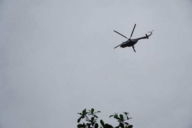 Trực thăng xuất hiện ở khu vực thuỷ điện Rào Trăng 3, quân đội tiếp tục vào hiện trường - Ảnh 2.