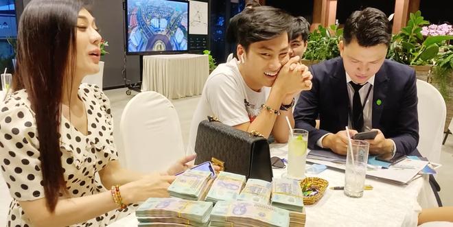 Lâm Khánh Chi vác ba lô tiền đi mua nhà hơn 30 tỷ: Tôi thích thì mua chứ sao - Ảnh 3.