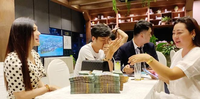 Lâm Khánh Chi vác ba lô tiền đi mua nhà hơn 30 tỷ: Tôi thích thì mua chứ sao - Ảnh 4.