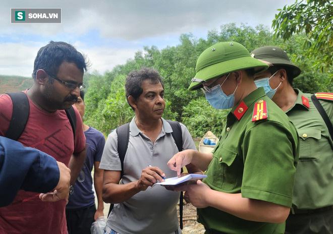 Không còn dấu vết của Trạm bảo vệ rừng 67 - nơi đoàn cứu hộ dừng chân Photo-1-160266441858244438883-1602664468602844215730