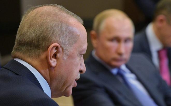 """""""Chiếu tướng"""" Thổ Nhĩ Kỳ, Nga thể hiện quyền lực đáng sợ"""