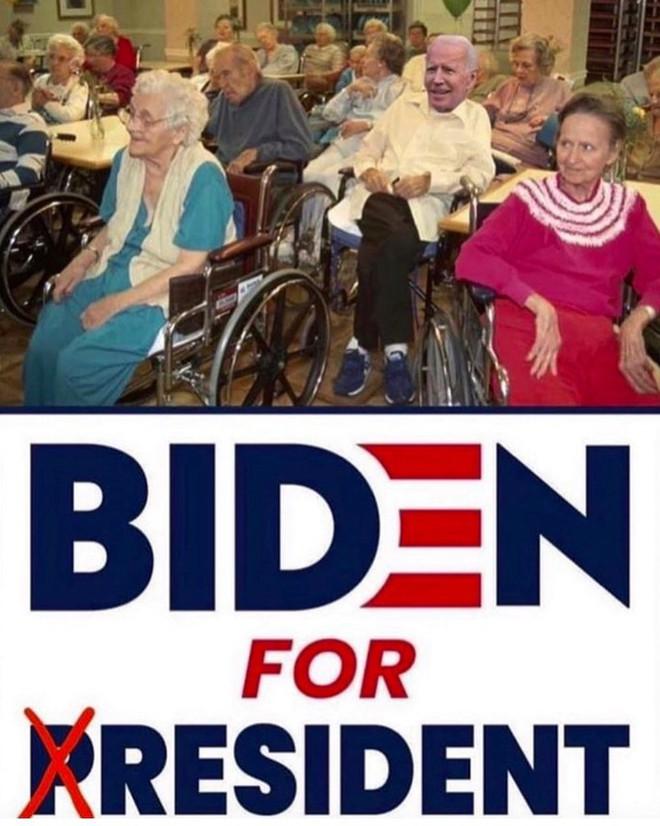 Ông Trump đăng ảnh chế cảnh đối thủ Joe Biden ngồi xe lăn trong viện dưỡng lão - Ảnh 1.
