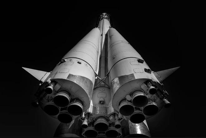 Sức mạnh khổng lồ của tên lửa đẩy khủng nhất mọi thời đại: Tạc nên kỳ tích lịch sử cho nhân loại - Ảnh 4.