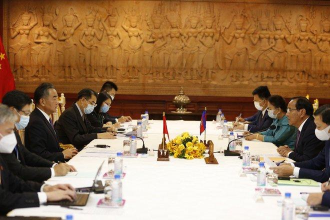 Thỏa thuận chóng vánh mà ông Hun Sen ca ngợi tồn tại vĩnh cửu hé lộ sách lược của Trung Quốc với Asean - Ảnh 2.