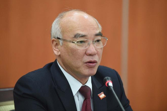 TP HCM hỗ trợ 1,3 tỉ đồng cho các tỉnh miền Trung bị thiên tai - Ảnh 1.