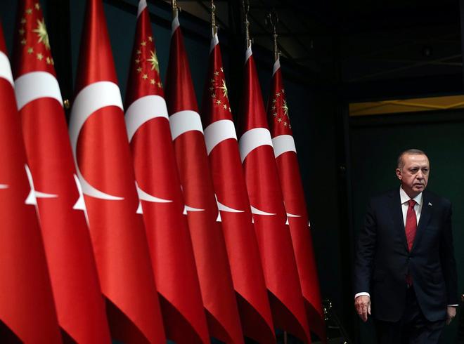 Làm khó Nga, Thổ Nhĩ Kỳ khó yên trong xung đột Armenia-Azerbaijan - Ảnh 1.