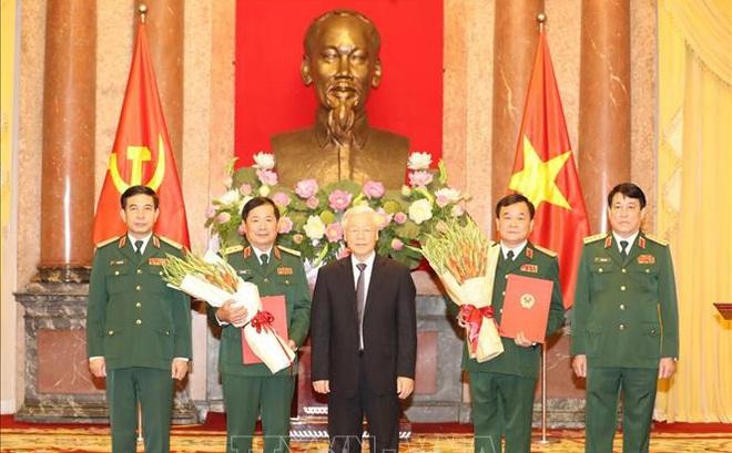 Trung tướng Hoàng Xuân Chiến và Lê Huy Vịnh được thăng quân hàm Thượng tướng