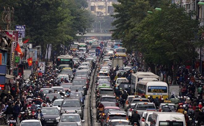 Giảm ách tắc giao thông bằng cách thu hẹp làn đường ô tô: Liệu có khả thi?