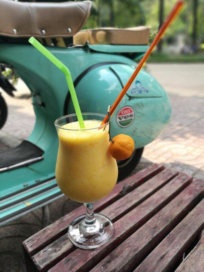 Những quán cà phê, tàu hũ độc lạ trang trí bằng xe cổ ở Sài Gòn - Ảnh 8.