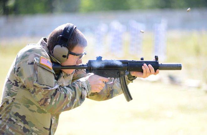 Những vũ khí mà lính đặc nhiệm Mỹ sẽ không bao giờ để ở nhà khi đi chiến đấu - Ảnh 2.