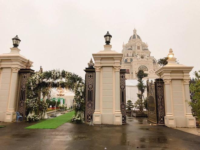 Đại gia Tuyên Quang và lễ ăn hỏi trong lâu đài dát vàng lộng lẫy đến nghẹt thở - Ảnh 10.