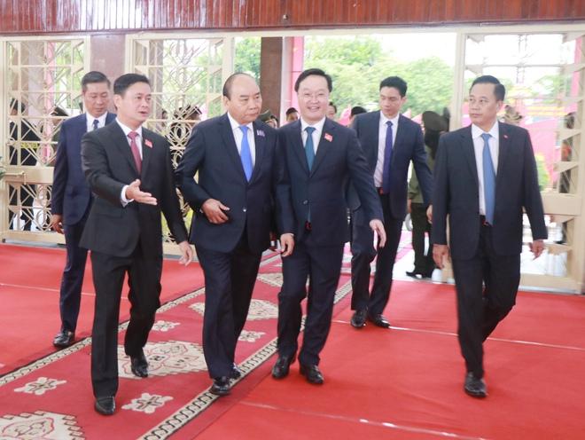 Thủ tướng Nguyễn Xuân Phúc dự khai mạc Đại hội Đảng bộ tỉnh Nghệ An - Ảnh 4.