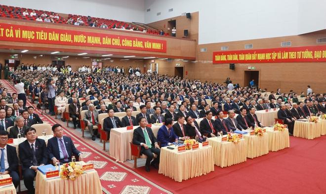 Thủ tướng Nguyễn Xuân Phúc dự khai mạc Đại hội Đảng bộ tỉnh Nghệ An - Ảnh 10.