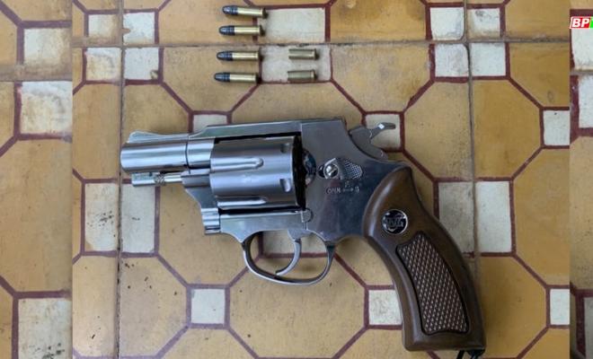 Khởi tố thanh niên 24 tuổi ở Bình Phước nổ súng khi đòi nợ - Ảnh 1.