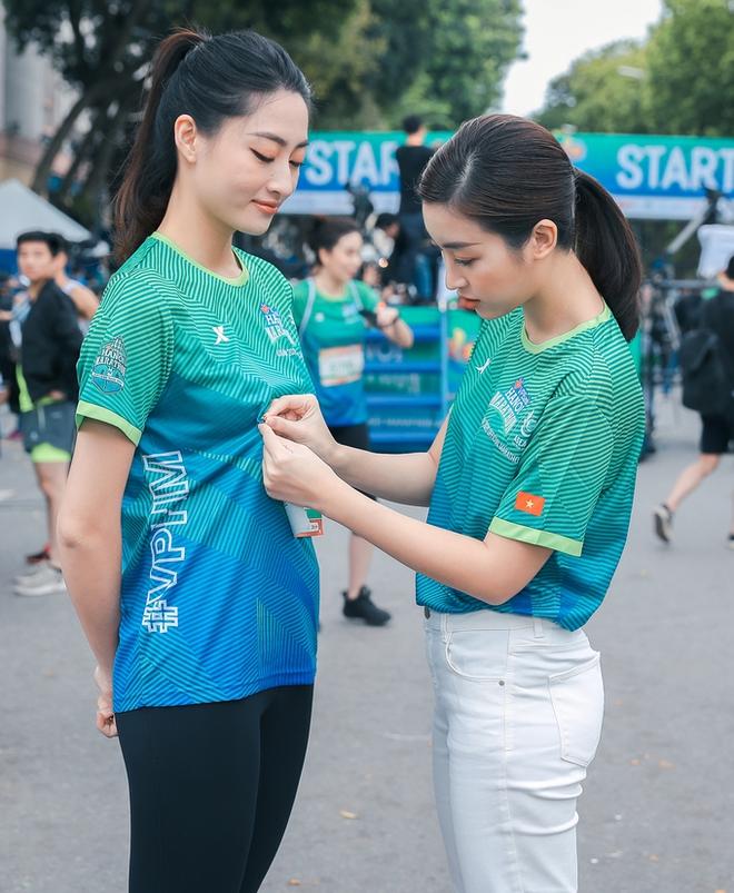 Hoa hậu Mai Phương Thúy nổi bật trên đường chạy - Ảnh 5.