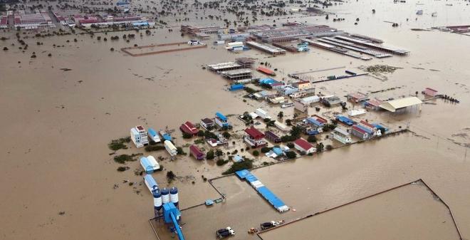 Lũ lụt Campuchia khiến 24 người chết và mất tích, 19/25 tỉnh thành bị ảnh hưởng - Ảnh 1.