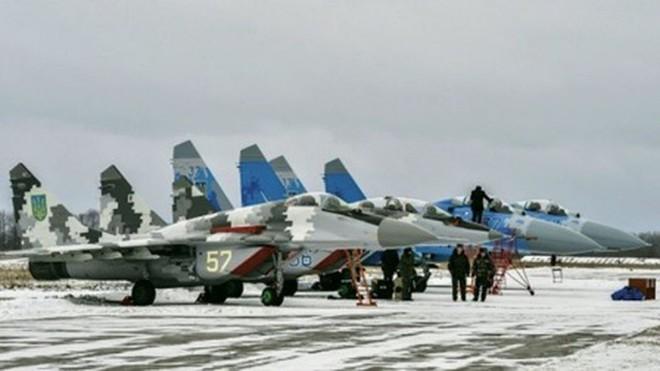 Tiêm kích Su-27 từng gây thảm họa kinh hoàng, nhưng vẫn là át chủ bài của Ukraine - Ảnh 3.