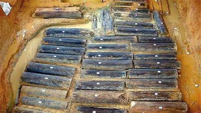 Phát hiện khảo cổ chấn động TQ: 46 thi thể phát quang trong lăng mộ 2.500 năm tuổi - Ảnh 3.