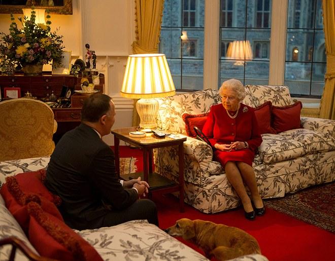 Hé lộ đường hầm bí ẩn bên trong lâu đài Windsor của Nữ hoàng Anh Elizabeth II - Ảnh 3.