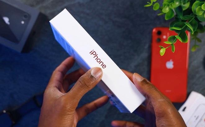 Cận cảnh iPhone 11 'date mới' với hộp siêu mỏng, bỏ củ sạc và tai nghe