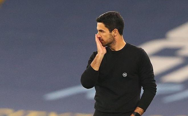Arsenal thua Man City, HLV Arteta nổi cáu với trọng tài và VAR