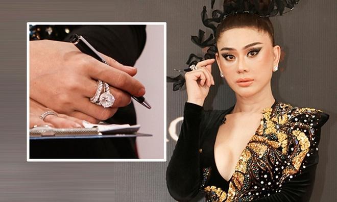 Gia thế và tài sản khủng của Lâm Khánh Chi, mua nhà 30 tỷ cũng nhẹ như lông hồng - Ảnh 10.