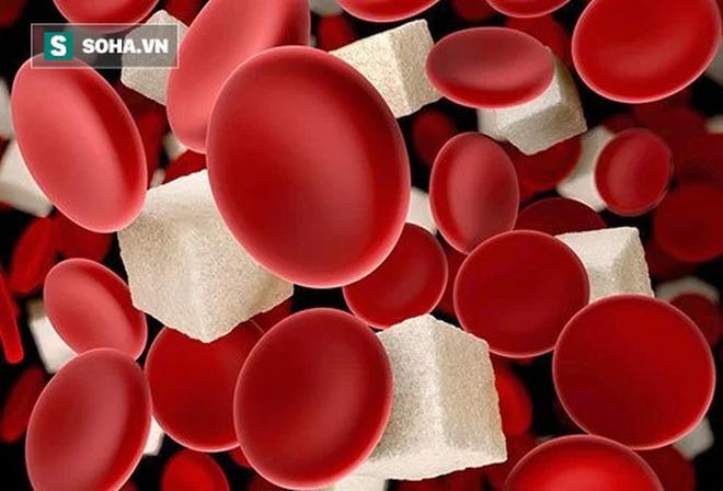 Hạ đường huyết tưởng đơn giản mà cực nguy hiểm: Người uống rượu cần hết sức đề phòng - Ảnh 1.
