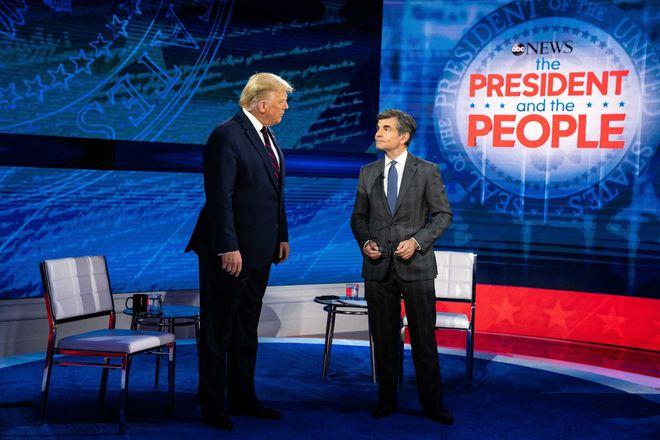 Chiến thuật 'tiến lên từ phía sau' của Tổng thống Trump - Ảnh 2.