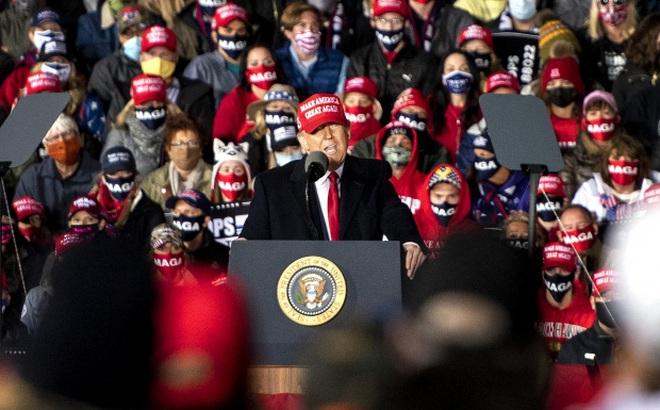"""Ông Trump tới bang """"hộ mệnh"""" năm 2016, gọi đối thủ Biden là """"ứng viên tồi tệ nhất lịch sử"""""""