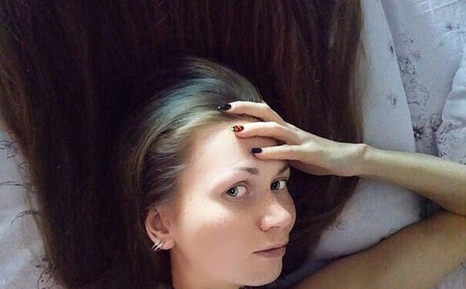 """Vì một lời thách đấu, cô gái bỗng """"nổi như cồn"""" trên mạng xã hội, khiến cả trăm nghìn người mê mẩn"""