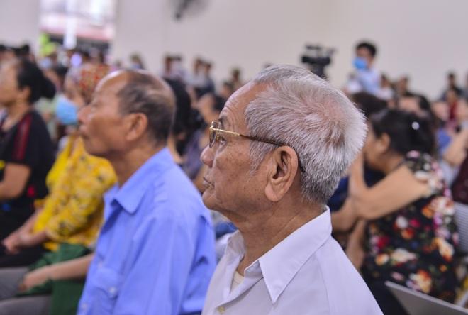 [ẢNH] Xử lưu động chủ quán Nhắng nướng Hiền Thiện ép cô gái quỳ, người dân Bắc Ninh tập trung đông theo dõi - Ảnh 9.