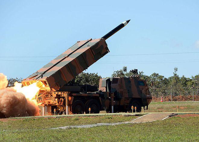 """Clip: Thần pháo M142 HIMARS và ASTROS II phóng """"mưa tên lửa"""" sáng rực trời Syria - Ảnh 3."""