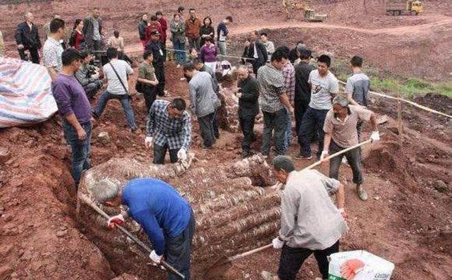 Đột nhập cướp mộ, kẻ trộm bỏ quên cổ vật trị giá 1.000 tỷ đồng chôn ở nơi không ai ngờ tới