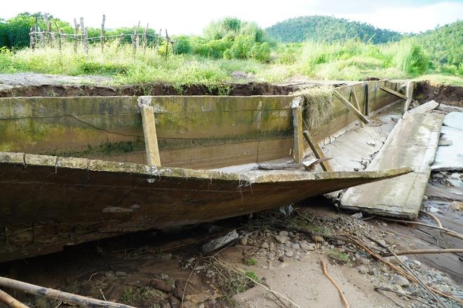Công trình thủy lợi 119 tỉ vừa hoàn thành đã hỏng, sửa xong lại tiếp tục tan nát - Ảnh 4.