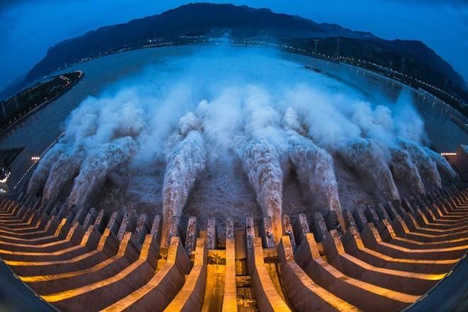 Nguyên nhân nào khiến châu Á hứng chịu lũ lụt kỷ lục năm nay? - Ảnh 3.