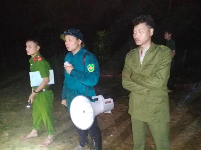 Nghệ An: Sợ sạt lở đất, hàng nghìn người được sơ tán đến lán trại khẩn cấp - Ảnh 6.