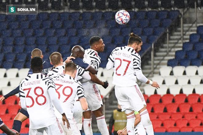 Tân đội trưởng suýt thành tội đồ, Man United thêm lần nhờ phút 87 kỳ diệu làm nên địa chấn - Ảnh 2.