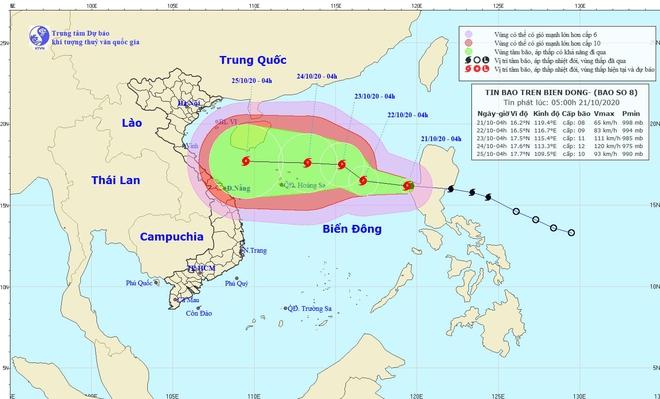 Giám đốc TT DBKTTVQG: Vùng ảnh hưởng của bão số 8 rất rộng, sẽ gây mưa lớn ở các tỉnh miền Trung - Ảnh 2.