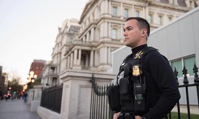 11 sự thật thú vị về các mật vụ bảo vệ Tổng thống Mỹ: Sự thật số 7 làm nhiều người bất ngờ - Ảnh 2.