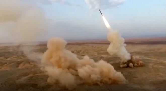"""Nga ra tay tiếp sức, F-22 và F-35 Mỹ sẽ phải """"gục ngã"""" trước phòng không Iran? - Ảnh 1."""