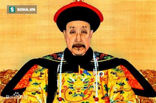 Thân là Hoàng đế, vì sao lần đầu nhìn thấy Càn Long, Khang Hy lại kinh ngạc đến mức phải đặt chén rượu trên tay xuống? - Ảnh 1.