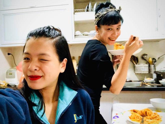Hồng Khanh cực khác khi làm 'con gái của mẹ Chiều Xuân' và ảnh trên Instagram, bạn đã xem chưa? - ảnh 8