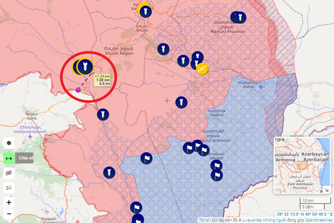 Pháo kích dồn dập, Azerbaijan từng bước cô lập Karabakh: Armenia bất lực chịu trận? - Ảnh 1.
