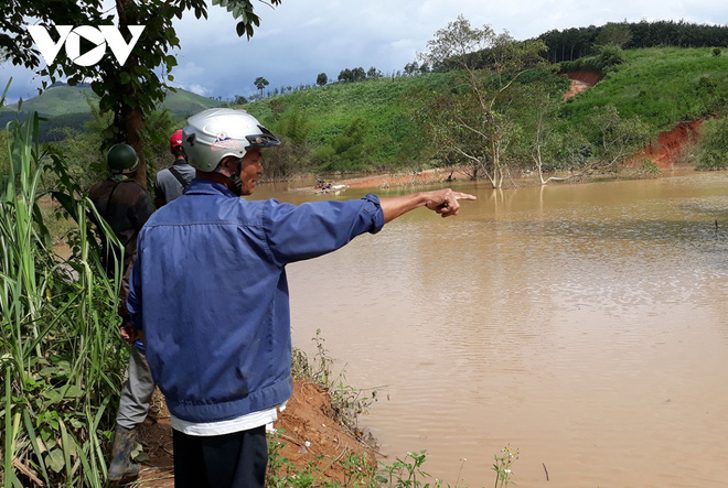 Tích nước trái phép giữa mùa mưa lũ, Thủy điện Plei Kần đe dọa cuộc sống người dân - Ảnh 2.